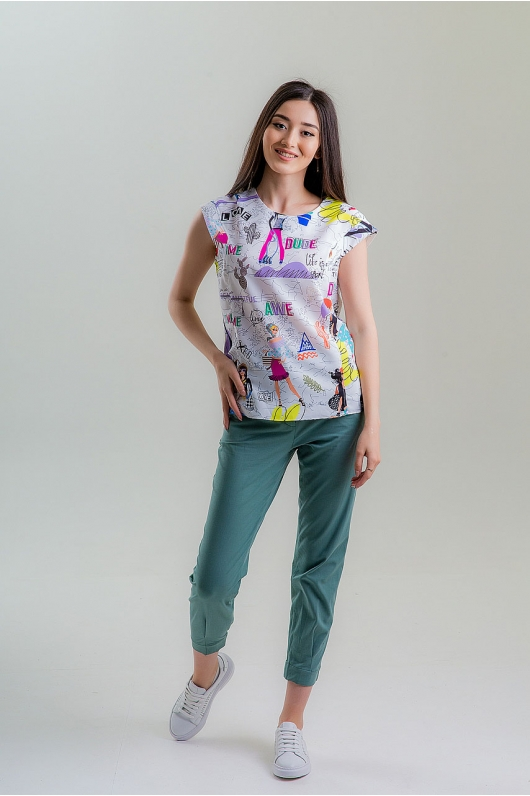 Блуза с ярким принтом