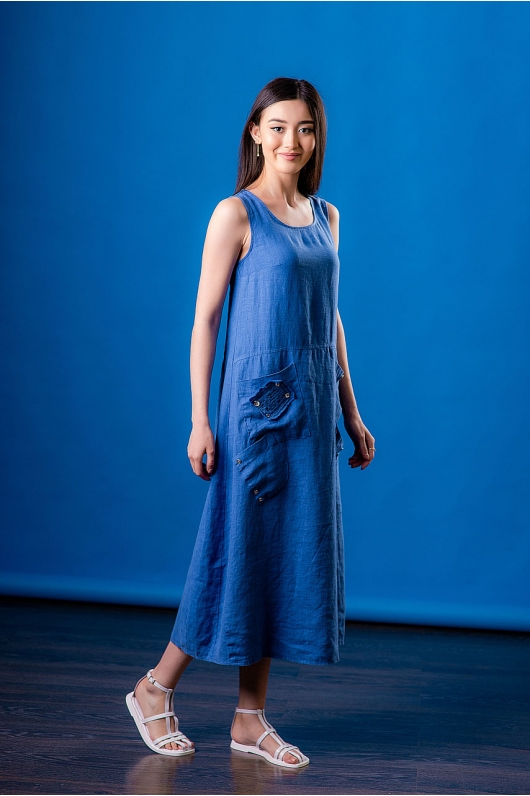 Платье из льна с накладными карманами