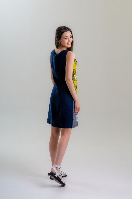 Платье приталенное в цветочный принт