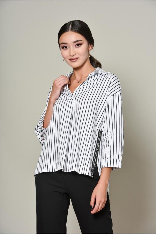 Рубашка в полоску с разрезами по бокам