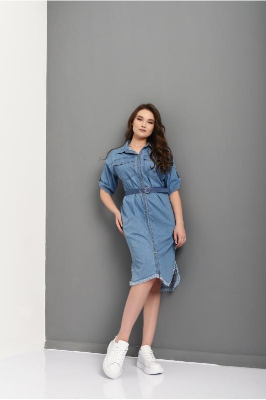 Джинсовое платье на пуговицах с бахромой по низу
