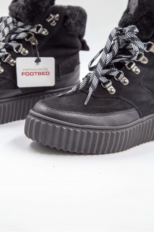 Ботинки на шнурке черные