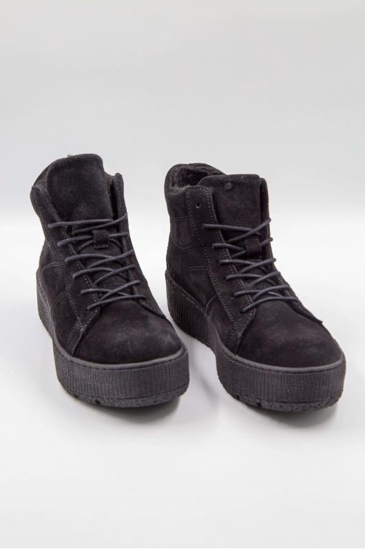 Ботинки черные на шнурке