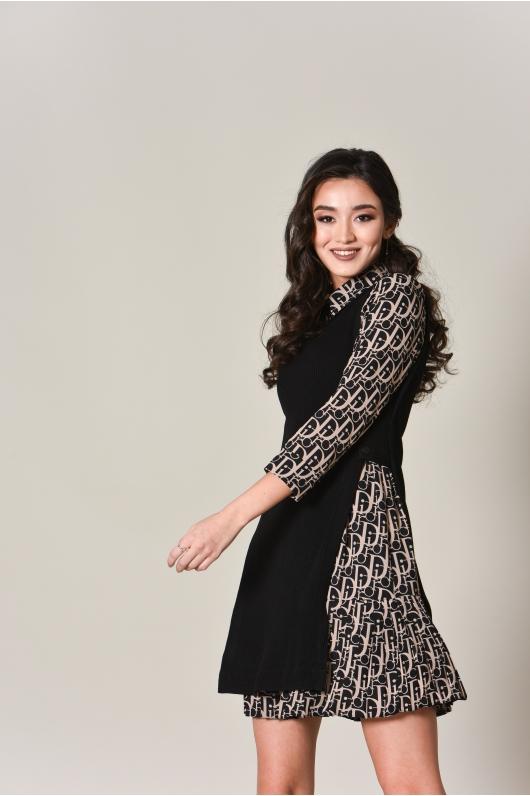 Платье дополненное трикотажным жилетом