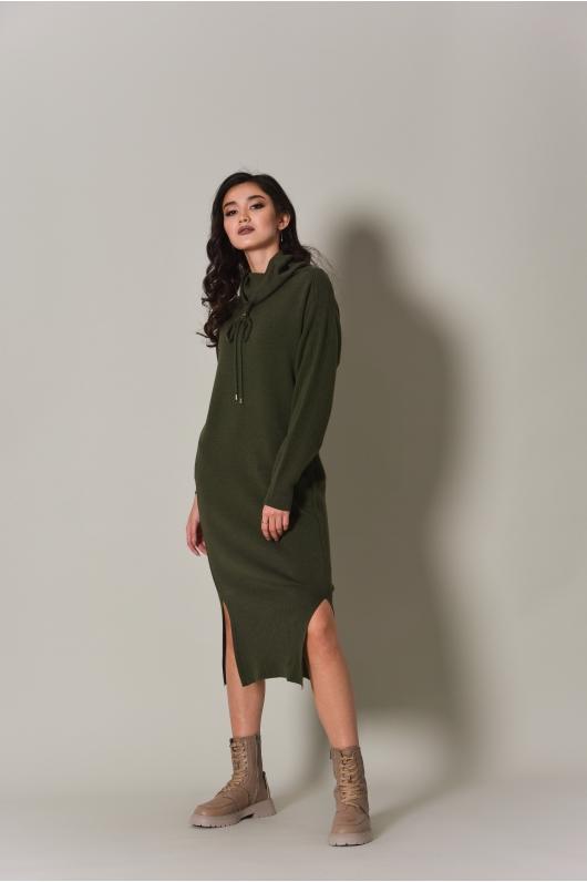 Платье из плотного трикотажа, длина миди