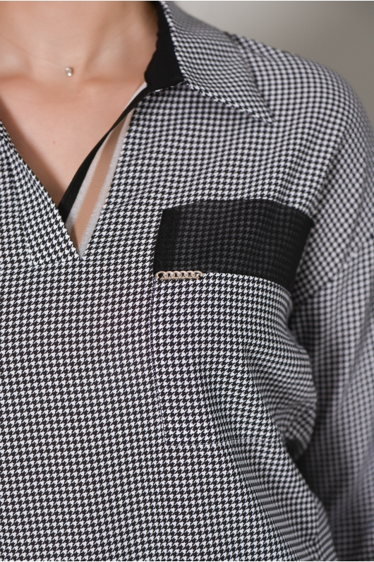 Блуза с отложным воротником  на резинке